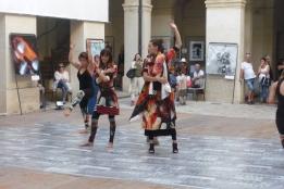 """""""Passantes"""" Danse et Défile de mode en lien avec les photos d'antje d."""
