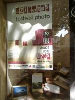 Vitrine du festival à l'Office Tourisme